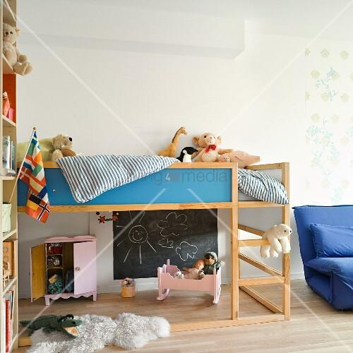 kinderzimmer mit spielbereich unter hochbett bild kaufen living4media. Black Bedroom Furniture Sets. Home Design Ideas