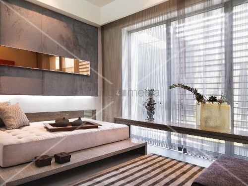 bett auf podest pinterest ihr traumhaus ideen. Black Bedroom Furniture Sets. Home Design Ideas