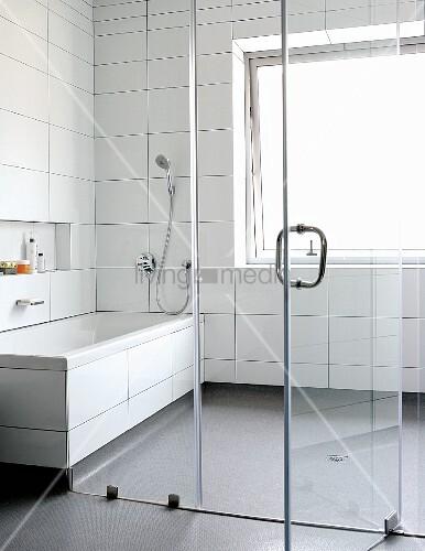 fliesen entfernen preise fliesen badezimmer preise haus renovieren badsanierung planen 10. Black Bedroom Furniture Sets. Home Design Ideas