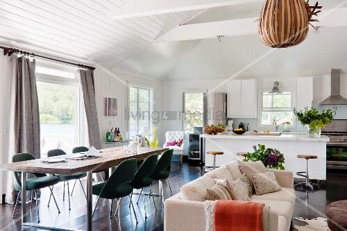 langer esstisch mit klassikerstühlen (executive von saarinen ... - Sofa Für Küche