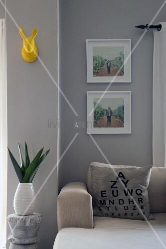 Sehtest tafel als deko print auf einem sofakissen wei for Gelbe tafel