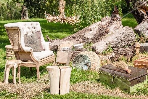 vintage kleinm bel sessel baumstammhocker und. Black Bedroom Furniture Sets. Home Design Ideas