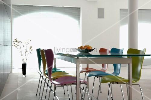 Bunte Holzstühle holzstühle farbig möbelideen