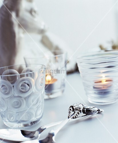 windlichter aus verschieden geschliffenem glas living4media. Black Bedroom Furniture Sets. Home Design Ideas