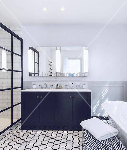 Groß Klassisches Badezimmer Fotos - Innenarchitektur Kollektion ...