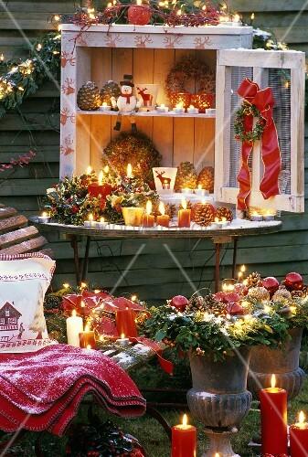 Weihnachtliche dekoration im garten bild kaufen for Weihnachtliche dekoration