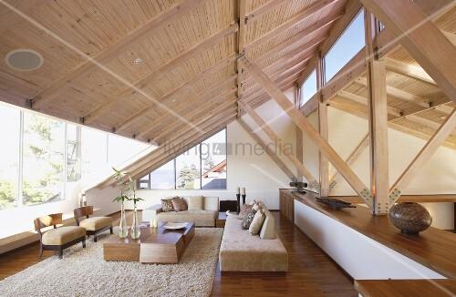 ein ausgebauter dachraum bild kaufen living4media. Black Bedroom Furniture Sets. Home Design Ideas