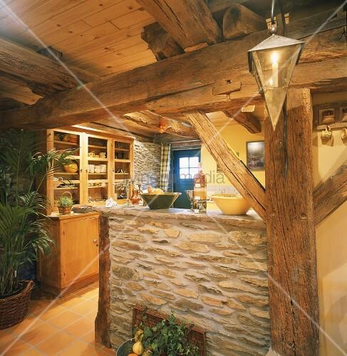 k chentheke aus naturstein in einem rustikalen fachwerhaus. Black Bedroom Furniture Sets. Home Design Ideas