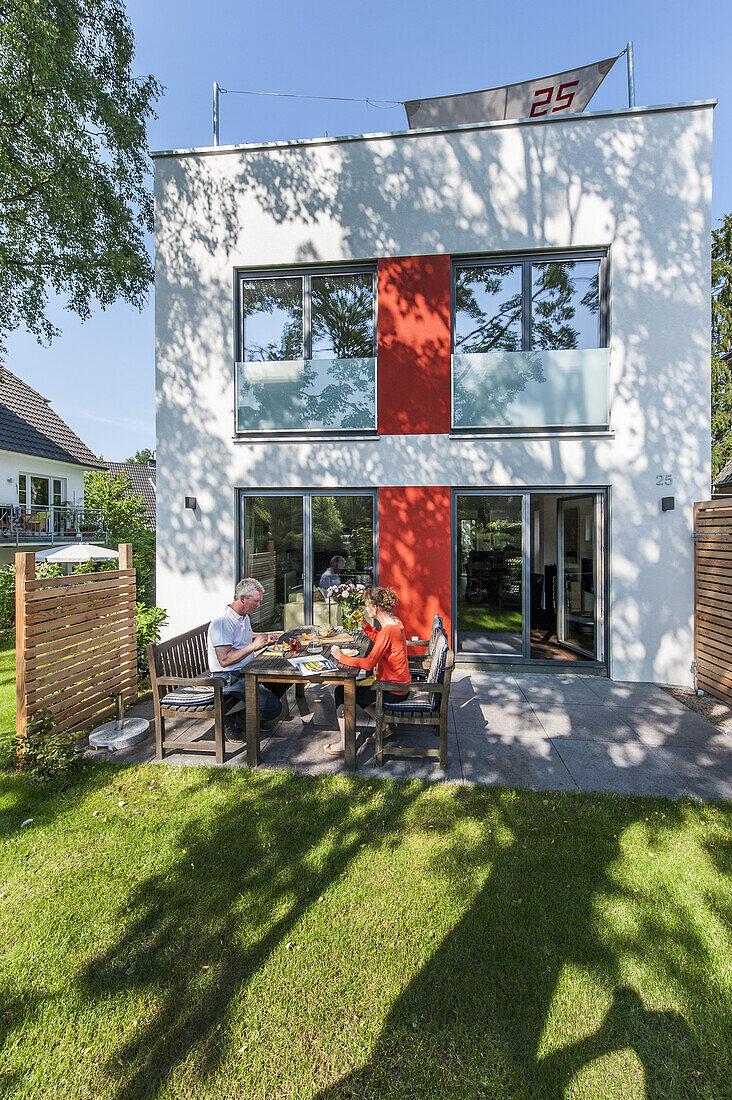 Modernes Einfamilienhaus in Hamburg, Norddeutschland, Deutschland