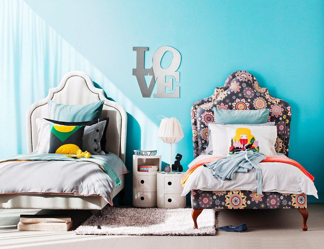 Matching Twin Beds In Children S Bedroom Buy Image 11183325 Living4media