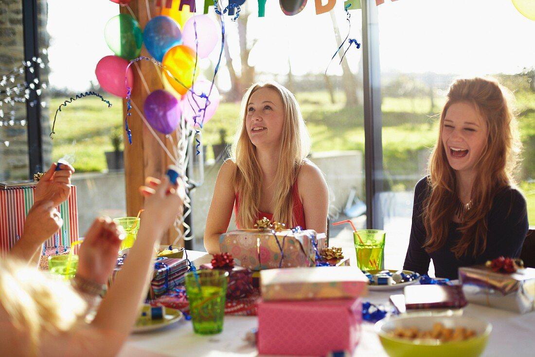 Geburtstagsspiele Für Teenager