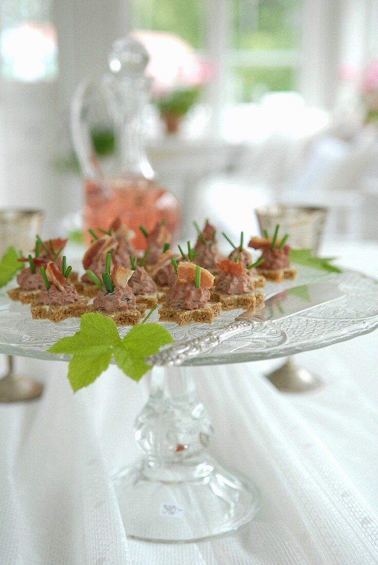 Small nibbles on a glass stand