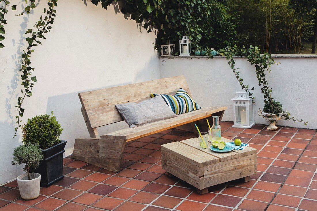 Shabby Chic Diy Bench And Wooden Table Buy Image 11455669 Living4media