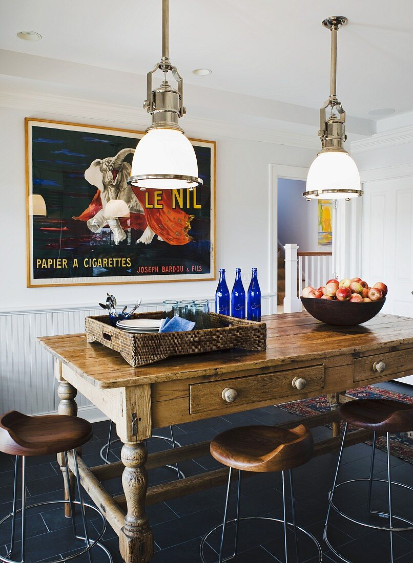 Rustic Table And Stools Under Vintage Buy Image 11292347 Living4media