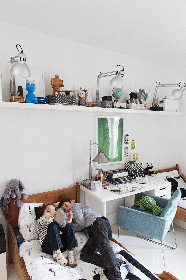 Siblings Bedroom With White Desk Buy Image 11325203 Living4media