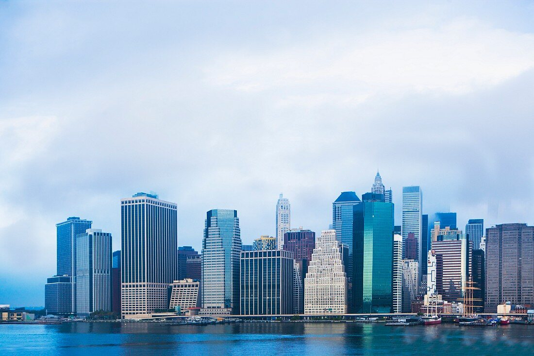 A view of the East River and Lower Manhattan skyline, New York, USA