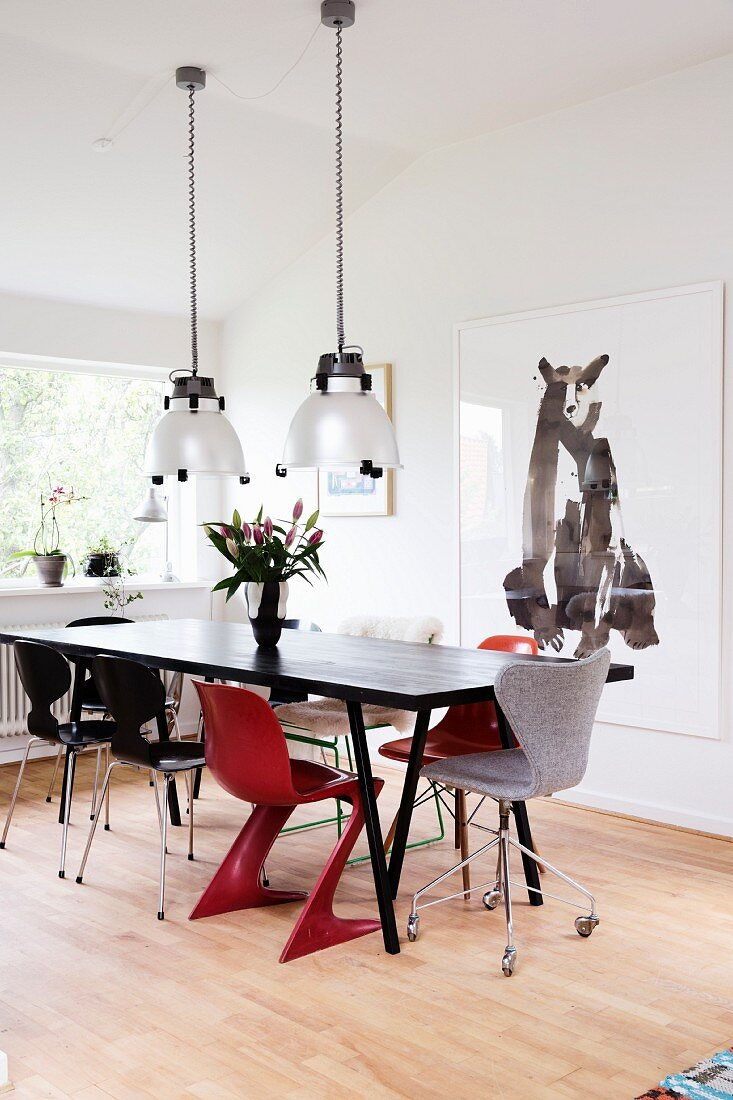 Black Retro Dining Table Two Red Chairs Buy Image 11407593 Living4media