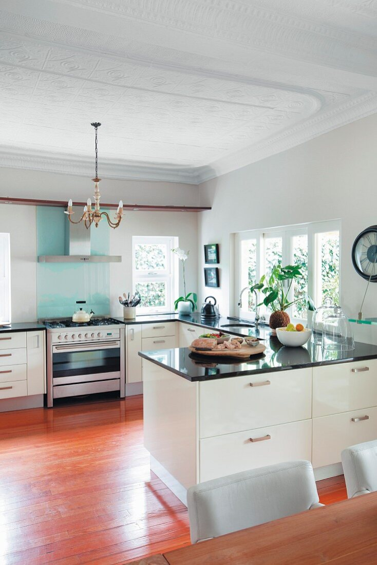 Modern Open Plan White Kitchen With Buy Image 11408115 Living4media
