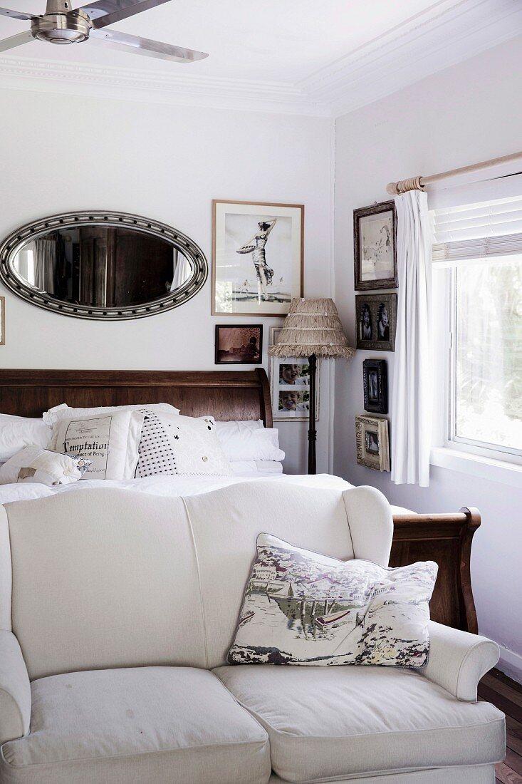 Schlafzimmer Im Vintage Stil Mit Sofa Bild Kaufen 12102121 Living4media
