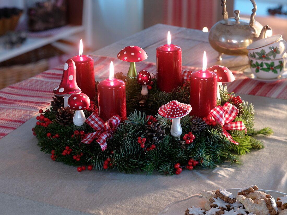 Advent wreath with Abies nordmanniana, Ilex
