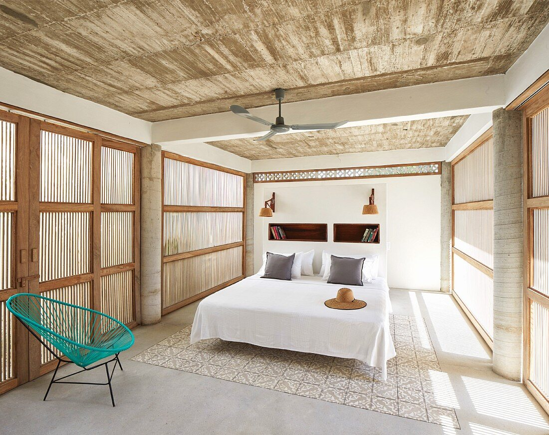 Bedroom with combination of traditional and modern elements