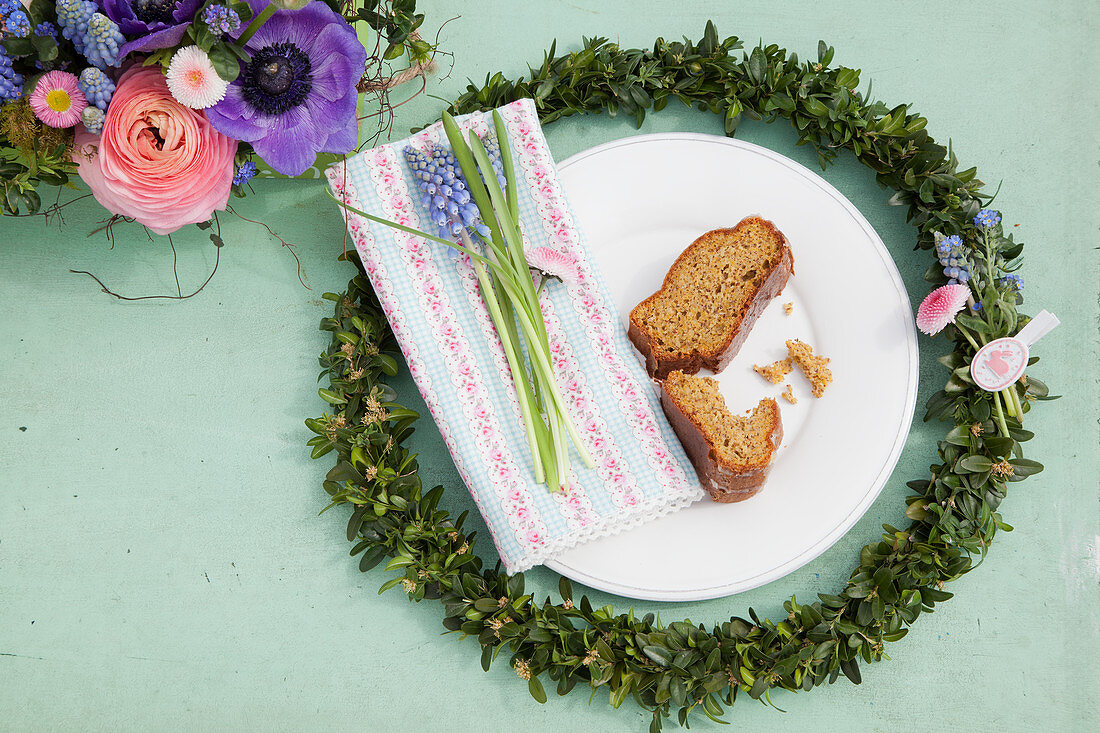 Easter place setting with box wreath and carrot cake