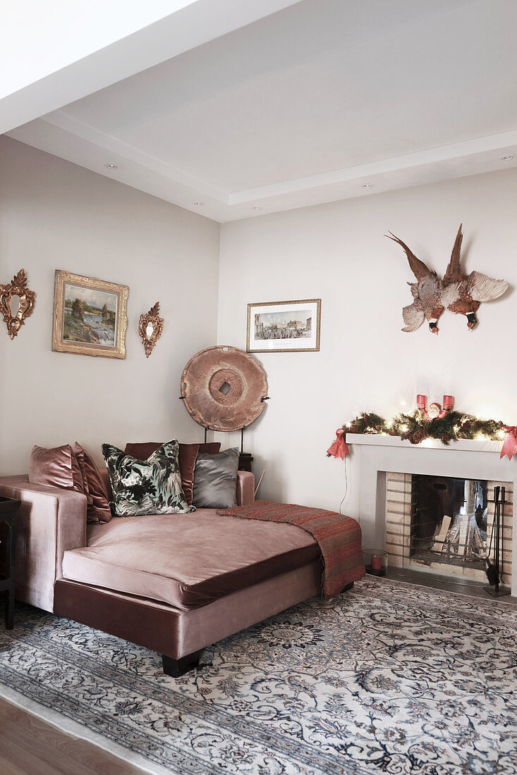 Dusky Pink Velvet Couch Next To Open Buy Image 12464519 Living4media