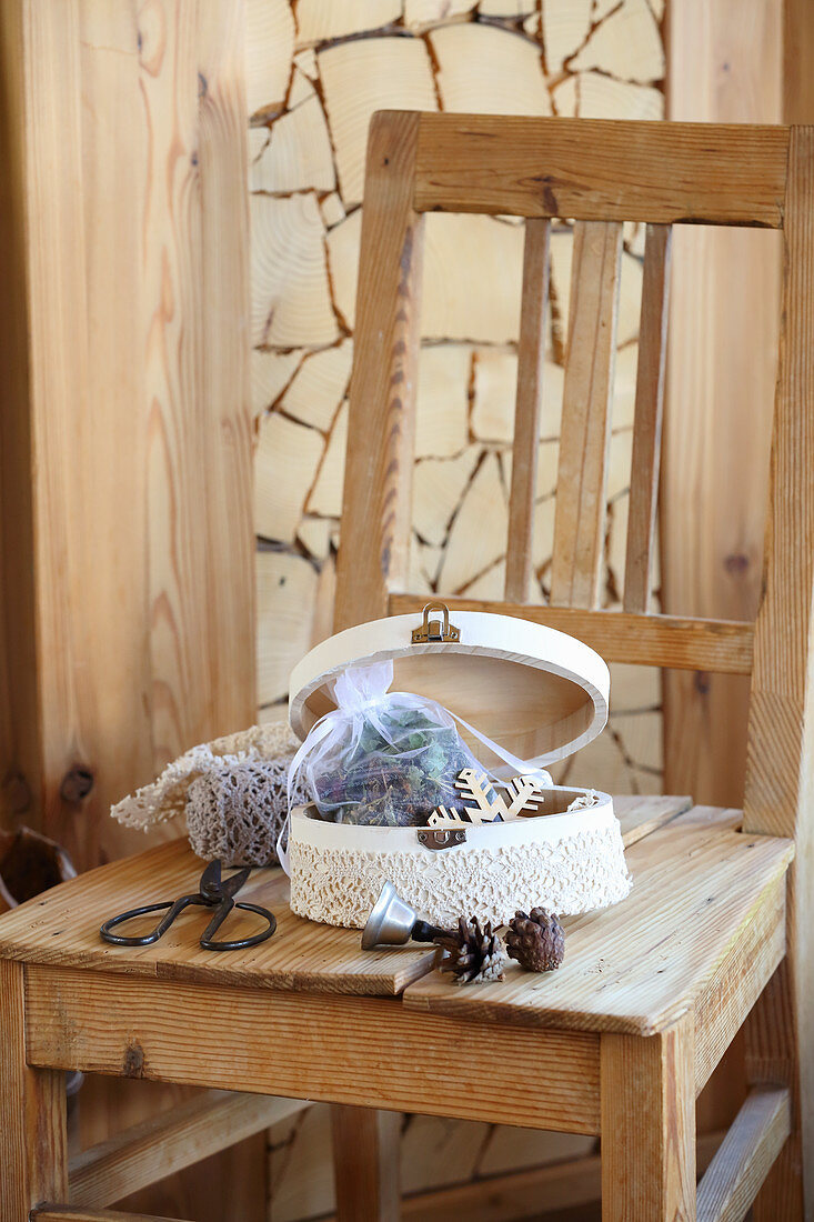Handmade tea in gift box with lace trim