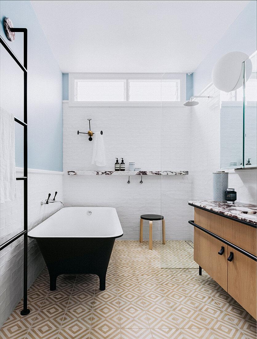 Picture of: Freestanding Bathtub Shower And Vanity Buy Image 12533601 Living4media