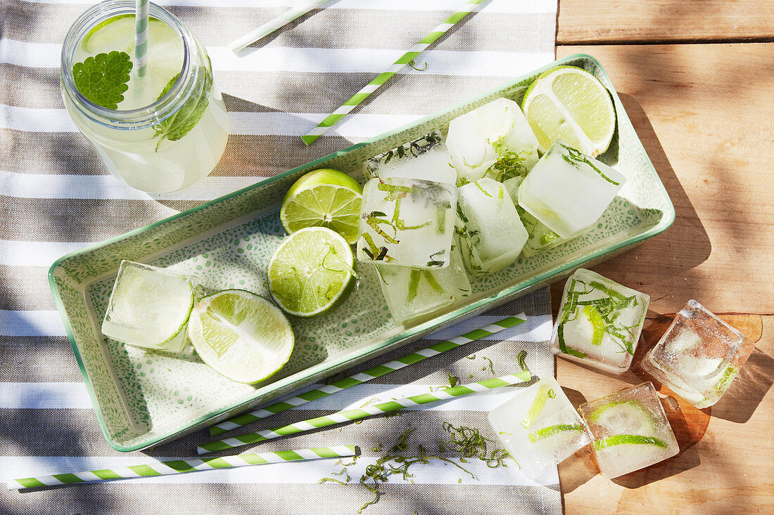 Ice cubes flavoured with lemon balm, mint and lime