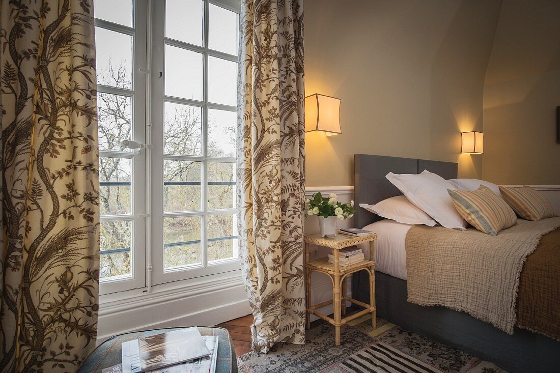 Cosy bedroom in Château des Grotteaux