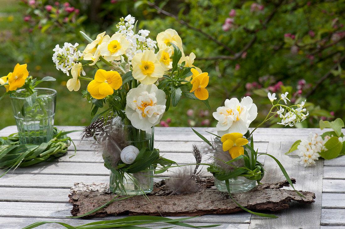 Small bouquets of Narcissus, Viola cornuta