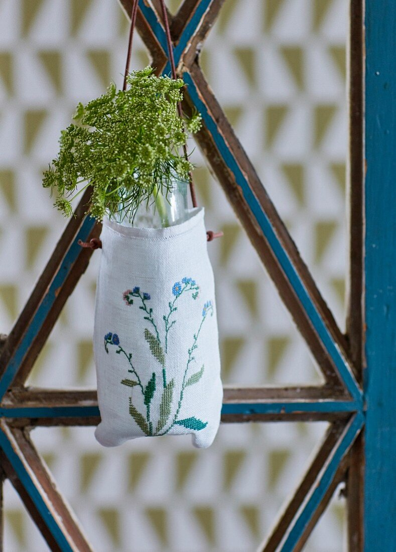 Bishop's weed flowers in enbroidered fabric bag