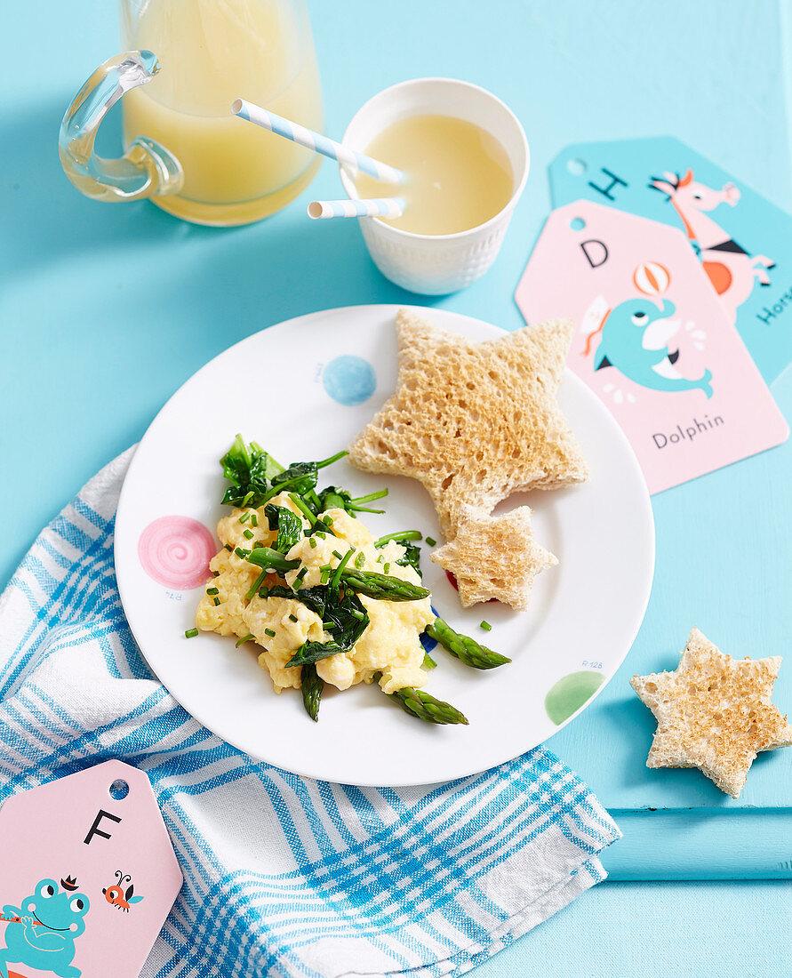 Rührei mit grünem Gemüse für Kleinkinder