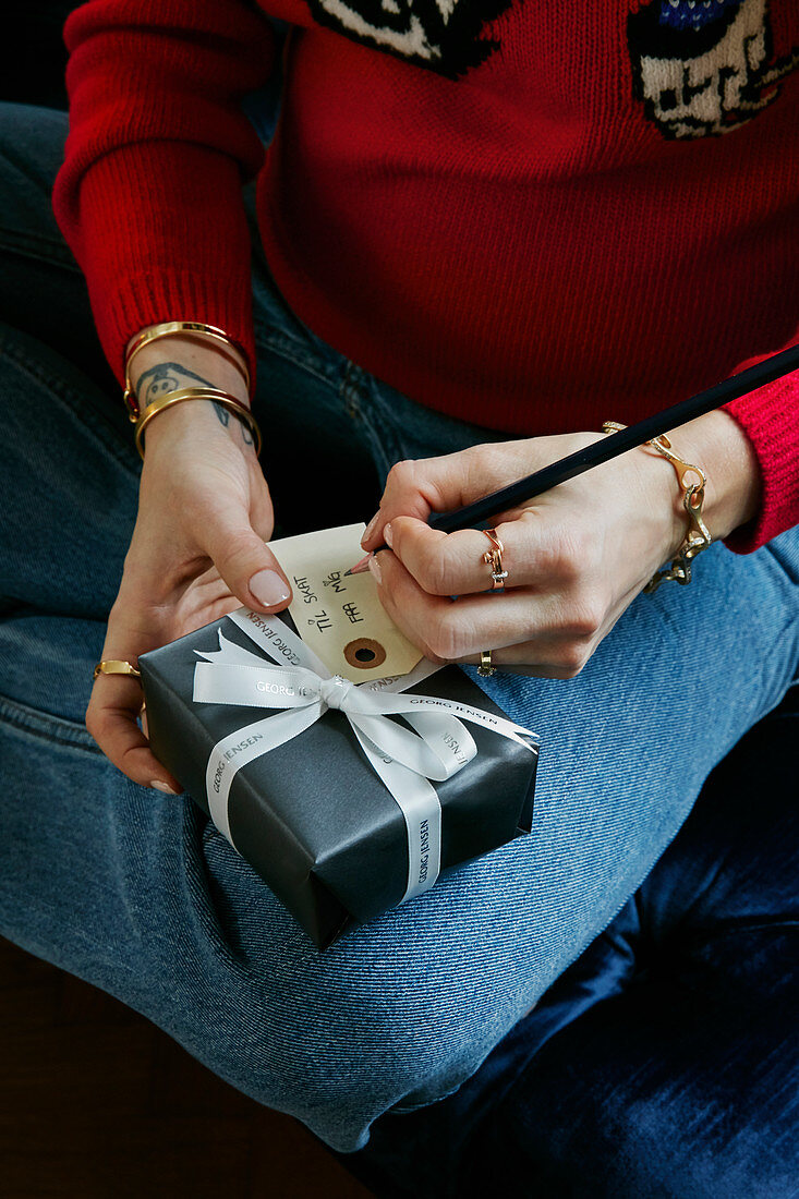 Writing tag for Christmas present
