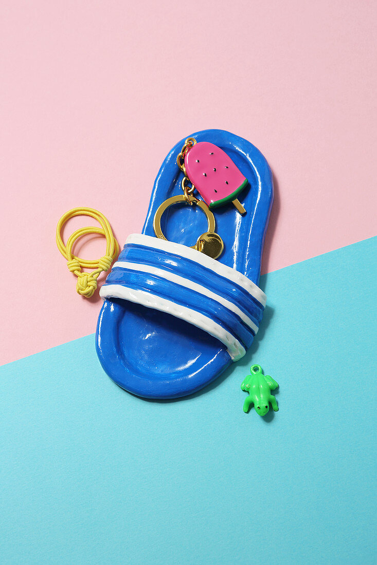 Flipflop keyring pendant made from modelling compound