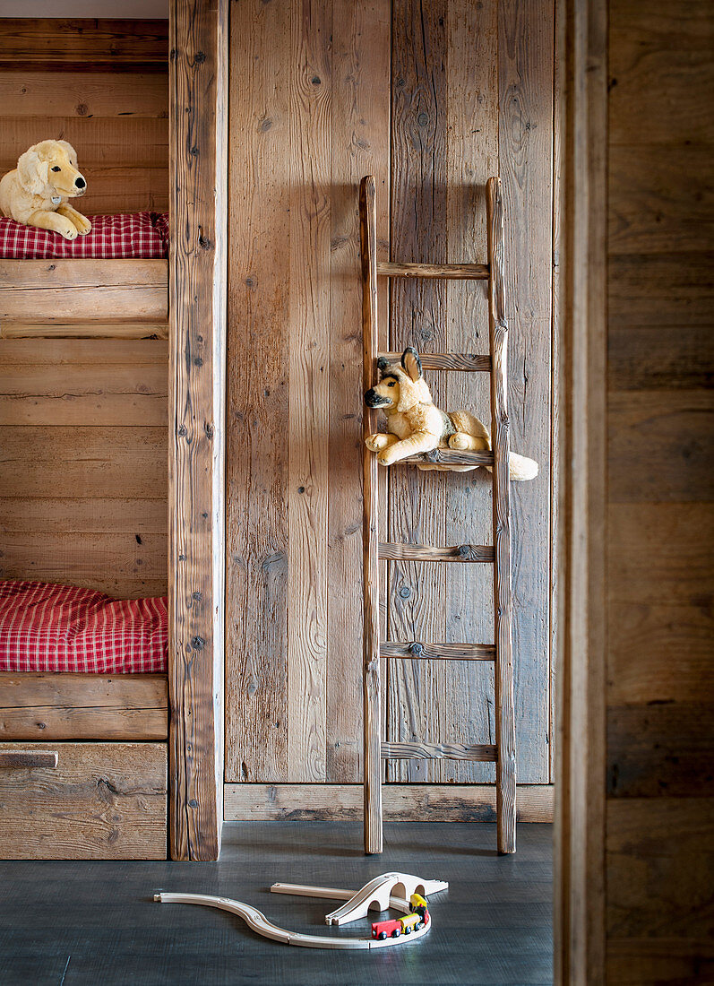 Picture of: Ladder Leaning Against Rustic Wooden Buy Image 12984085 Living4media