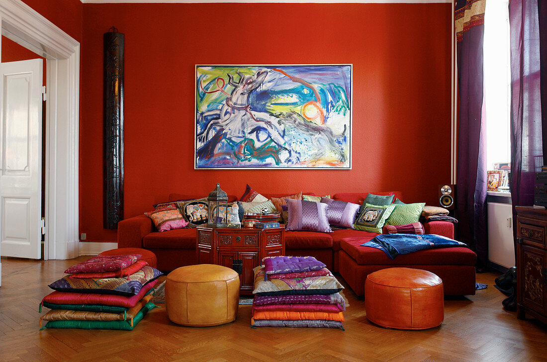 """Going for """"Fire Colors"""" in Lively Rooms"""