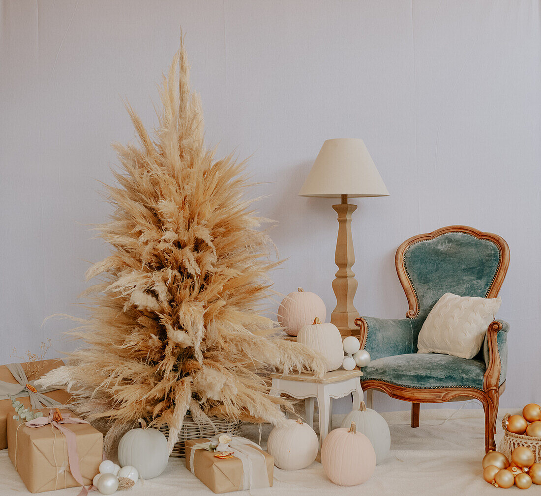 Christmas decorations, Arezzo, Tuscany, Italy