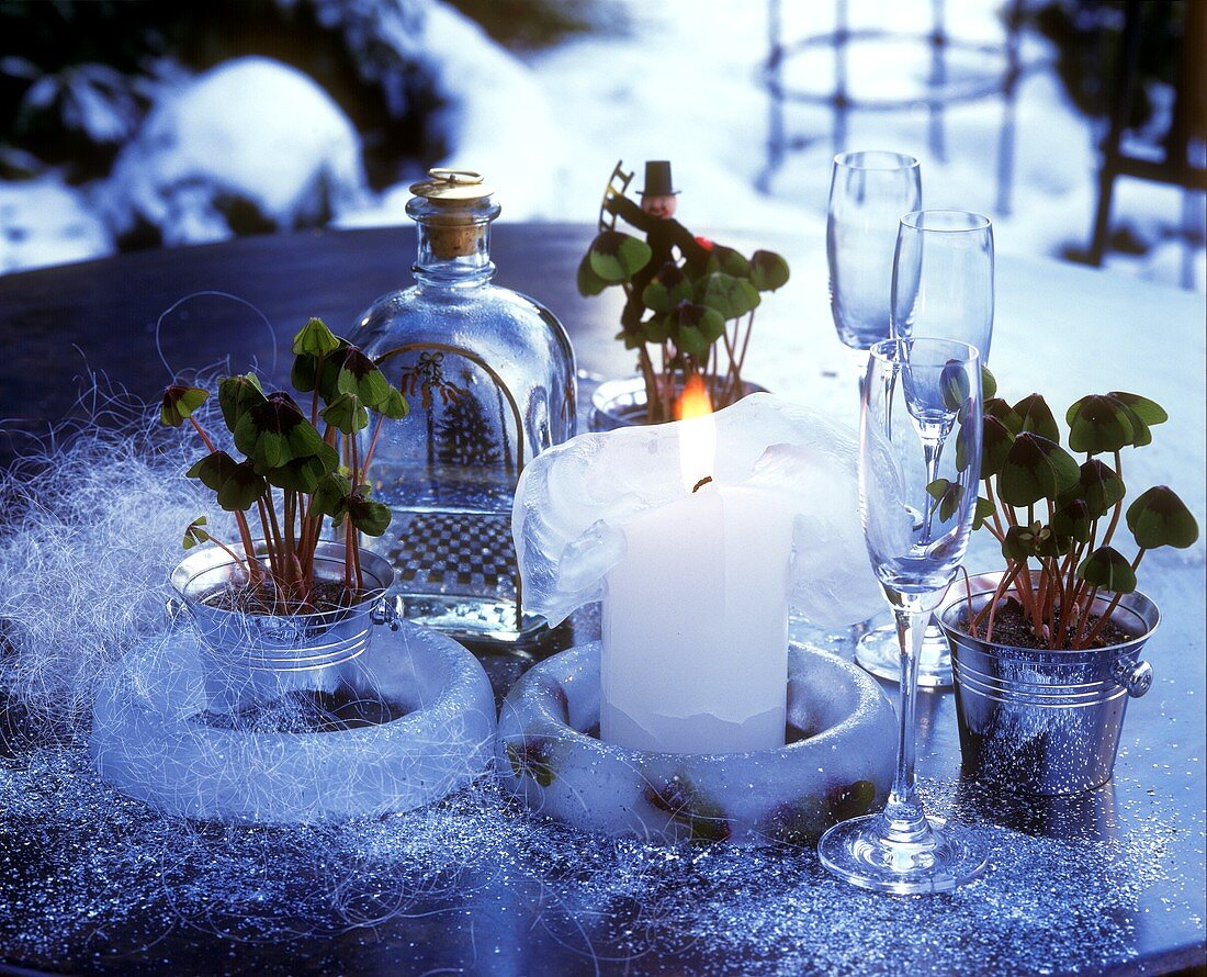 New Year's Eve table decoration in open air