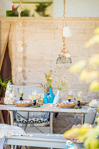 Table set with summery maritime accessories