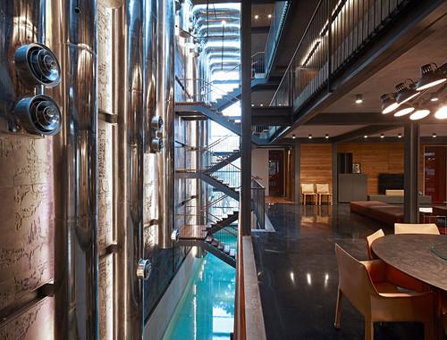 Modernes Architektenhaus mit offenen Stockwerken