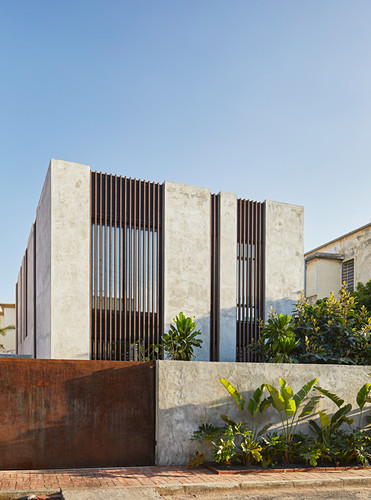 Modern, architect-designed, concrete house with open façade