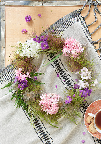 Wreath of flowers and seed heads