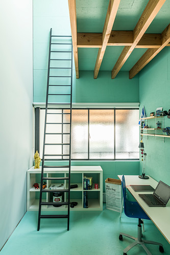 turquoise walls in bedroom