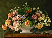 Sumptuous bouquet of roses, ground elder and jasmine