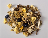Pot-pourri of dried flowers and leaves