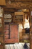 Rustikale Küche in einem Blockhaus