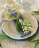 Lily-of-the-valley napkin decoration