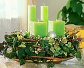 Advent wreath of ivy, willow twigs and cinnamon sticks